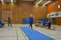Das-Nikolaussportfest-und-der-5er-Sprung.JPG